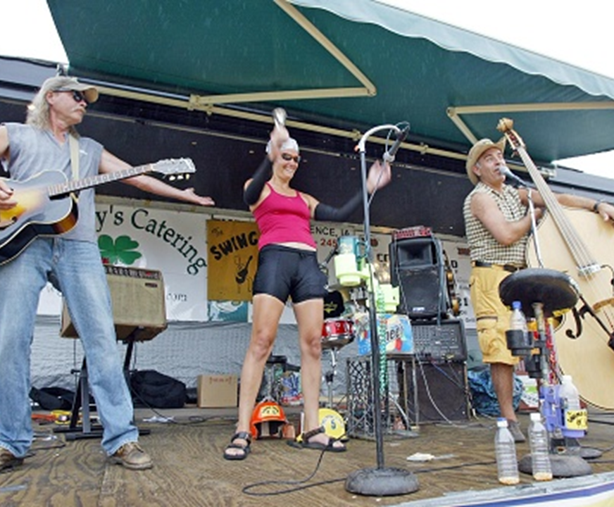 Swing Crew to Play BACooN RIDE Friday Packet Pick-Up Pre-Party in Waukee