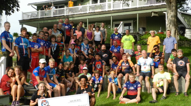 RAGBRAI Dream Team Mentors Assist with Packet Pick-Up